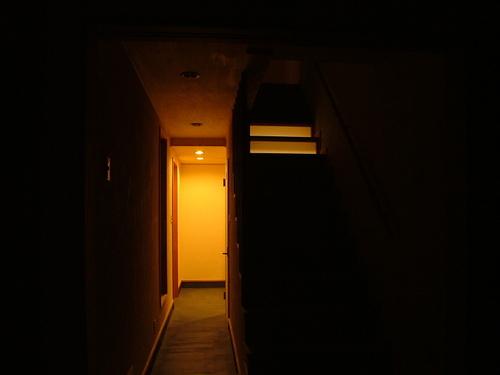 玄関土間夜景